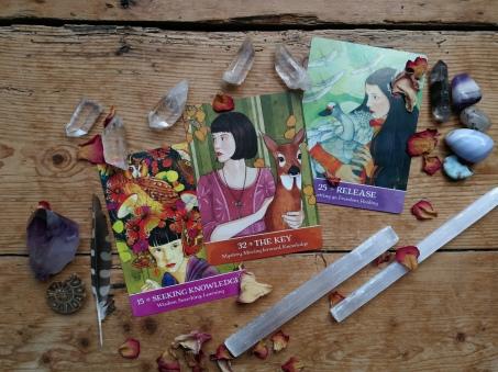 Tarot; Oracle Cards; Divination: Tarot Reader